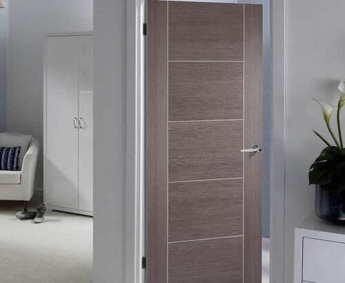 Ламинатна сива врата