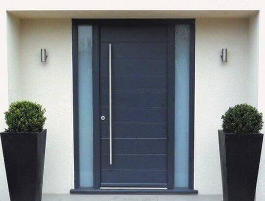 Модерен дом врата